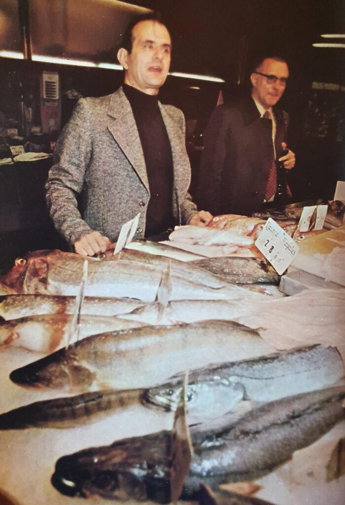 Paul Bocuse sceglie il pesce al mercato